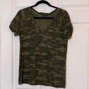Sanctuary camo tee size small